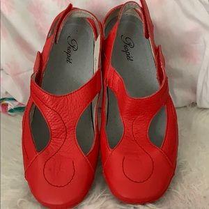 Propet red leather comfort shoe adjustable sz 9.5